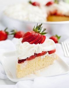 Strawberry Tres Leches Cake takes strawberries and cream to a new level. Berries are a perfect match for this rich and creamy cake! Not Too Sweet Frosting, Cake Recipes, Dessert Recipes, Cheese Recipes, Dinner Recipes, Kolaci I Torte, Tres Leches Cake, Butter Pie, Strawberries And Cream