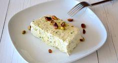 Ijs maken zonder ijsmachine, probeer mijn Italiaanse pistache semifreddo uit. Lekker en simpel.