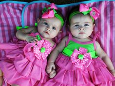 Cuties! love twins  http://twinpossible.com/4-months-old-updates-photos-sibling-jealousy-more