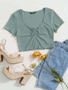 Crop Top Outfits, Cute Casual Outfits, Stylish Outfits, Kpop Fashion Outfits, Girls Fashion Clothes, Summer Outfits For Teens, Teenager, Aesthetic Clothes, T Shirt