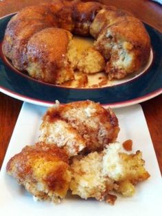 This recipe for Gluten-Free Monkey Bread or Cinnamon Pull-Apart Bread is gluten-free, yeast-free and free from the top 8 food allergens. Do you call it Monkey Bread? Or Cinnamon Pull-Apart Bread?No matter what you call it, you're going to love this Gluten Free Deserts, Gluten Free Sweets, Gluten Free Breakfasts, Foods With Gluten, Gluten Free Cooking, Vegan Gluten Free, Cinnamon Pull Apart Bread, Cinnamon Bread, Sem Gluten Sem Lactose