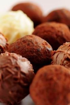 Chocolate Covered Truffles Recipe - Everyone loves truffles! Chocolate Covered Truffles Recipe, Tiramisu, Truffle Recipe, Candy Recipes, Chocolate Recipes, Food For Thought, Just Desserts, Food Photography, Sweets