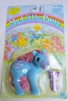 Hasbro My Little Pony bow tie 1984 Vintage Carded  MOC scarce