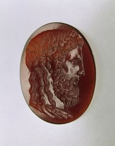 Roman cameo of the head of Zeus at Olympia - Carnelian. 2 / 2nd Quarter Century AD. Location: Samsun? (Turkey). © Foto: Antikensammlung der Staatlichen Museen zu Berlin - Preußischer Kulturbesitz
