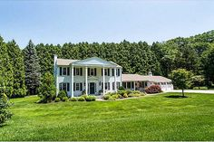 Check out this home at Realtor.com $679,000 4beds · 4+baths 82 Cindyann Dr, East Greenwich http://www.realtor.com/realestateandhomes-detail/82-Cindyann-Dr_East-Greenwich_RI_02818_M30699-89236