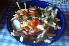 Bunter Wurstsalat 1 Caprese Salad, Chicken, Meat, Food, Salads, Food Portions, Cooking, Recipies, Essen