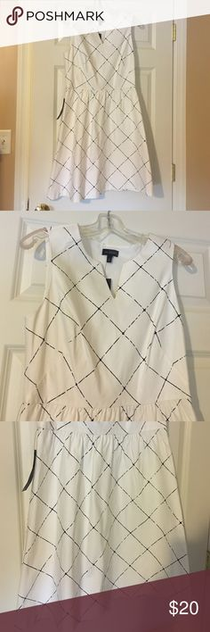 NWT Black and white dress from The Limited Reposh - NWT, black and white dress from The Limited. Really cute, no issues - just didn't fit The Limited Dresses