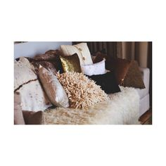 fashion in my eyes: Interiors: winter romance ❤ liked on Polyvore featuring pictures, photos, backgrounds, interior i home