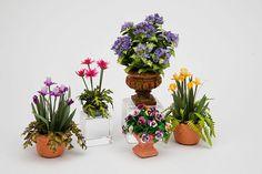 Good Sam Showcase of Miniatures: Flowers: Jan's Flower Shoppe & More