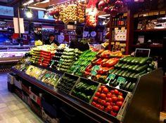 """""""El trato al cliente es clave y más directo que en un supermercado"""". Hablamos con Frutas Charito en nuestra primera entrevista del mes de junio en el blog"""