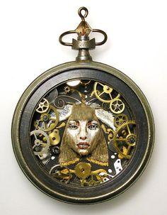 Esculturas con Piezas de Relojes Reciclados, Arte Ecoresponsable