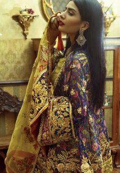 Ideas For Fashion Outfits Teenage Pakistani – Mode Outfits Pakistani Couture, Pakistani Bridal Wear, Pakistani Wedding Dresses, Pakistani Outfits, Curvy Outfits, Mode Outfits, Fashion Outfits, Fashion Ideas, Fashion Design