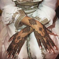 Henna Hand Designs, Wedding Mehndi Designs, Mehndi Designs For Fingers, Mehndi Design Images, Mehndi Art Designs, Mehndi Patterns, Beautiful Henna Designs, Henna Tattoo Designs, Latest Mehndi Designs