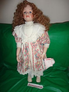 Laura Cobabe Artist doll Amber Porcelain doll Presentation of The Hamilton Collection Find me at www.dandeepop.com #dandeepop #LauraCobabe