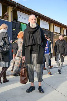 worker nomad biker goth, maybe the overall appearance falls then under postprotest Look Man, Looks Street Style, Sartorialist, Best Mens Fashion, Fashion Moda, Mode Style, Men Looks, Stylish Men, Street Wear