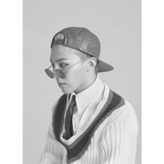 G-Dragon lands the cover of 'HYPEBEAST' magazine ❤ liked on Polyvore featuring photos, bigbang and gdragon