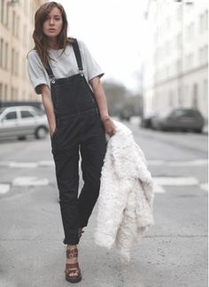 Overalls and sweatshirt tee. Yes please. #Outfit