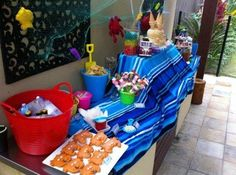 Beach Bash / Outdoor Movie Night was the theme {if you can call it that} we decided on. Teenage Girls Birthday Party Ideas, Teenage Pool Party, 1st Birthday Parties, Birthday Ideas, Summer Birthday, Outdoor Movie Nights, Happy Party, Sweet 16 Parties, Party Entertainment