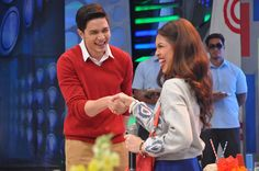 Alden Richards and Maine 'Yaya Dub' Mendoza, popularly known as Eat Bulaga's phenomenal love team 'AlDub,' have their first shake and holding hands.