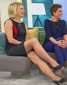 loading | Fernsehfrauen in Pantyhose | Pinterest