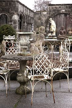 Wrought iron patio chairs with stone table.rustic chic furniture sets wrought iron Outdoor Rooms by French Grey Outdoor Rooms, Outdoor Dining, Outdoor Furniture Sets, French Country Style, Modern Country, French Grey Interiors, Grey Interior Design, Modern Design, Iron Furniture