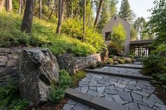 Amazing 82 Contemporary Stone Walkway Inspiration https://modernhousemagz.com/82-contemporary-stone-walkway-inspiration/