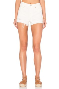 LEVI'S High Rise Wedgie Short in Vintage Chalk