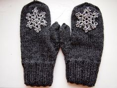 Tanssivat kädet - Dancing hands: Joululahjoja - Christmas presents Crafts To Do, Yarn Crafts, Diy Crafts, Christmas Presents, Knitting Projects, Mittens, Knit Crochet, Gloves, Dancing