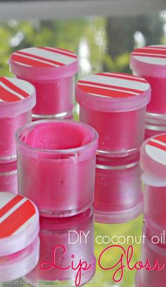 Handmade Gift: Simple Coconut Oil Lip Gloss - Mad in Crafts