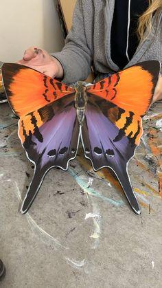 Butterfly Project, Butterfly Painting, Butterfly Crafts, Butterfly Art, Dot Painting, Flower Art, Butterflies, Scrap Wood Crafts, Junk Art