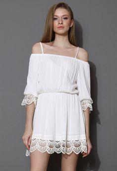 Baumwoll-Weißes Off-Shoulder-Kleid mit Häkelsaum