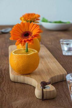Gerbera, Table Arrangements, Floral Arrangements, New Year Table, New Years Eve Dinner, Deco Originale, Deco Floral, Table Centers, Napkin Folding