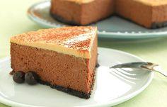 decadent mocha cheesecake - Cocoa powder and chocolate-covered espresso beans give this cheesecake a bakery flourish. Mocha Cheesecake, Cheesecake Recipes, Moka, Pie Dessert, Dessert Recipes, Dessert Ideas, Chocolate Covered Espresso Beans, Cream Cheese Recipes, Sweet Pie