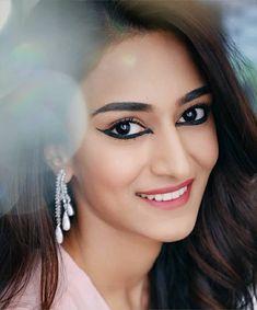 Dpz for girls Beautiful Bollywood Actress, Beautiful Actresses, Erica Fernandes Hot, Lovely Girl Image, Indian Tv Actress, Saree Models, Stylish Girl Images, Beauty Full Girl, Beautiful Models