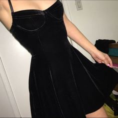 LOVE Prom Dresses American Apparel Black Velvet Bustier Dress Brand new with tags perfect condition. Cheaper thru pp or merc American Apparel Dresses Velvet Dress Designs, Mode Hipster, Look Fashion, Fashion Outfits, Fashion Goth, Dress Fashion, Skater Fashion, Fashion Shoes, Club Fashion