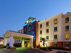 San Antonio (TX) Holiday Inn Express San Antonio Sea World United States, North America Holiday Inn Express San Antonio Sea World is a popular choice amongst travelers in San Antonio (TX), whether exploring or just passing through. The hotel offers a high standard of service and amenities to suit the individual needs of all travelers. Free Wi-Fi in all rooms, 24-hour front desk, facilities for disabled guests, express check-in/check-out, luggage storage are there for guest's e...