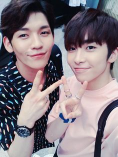 [Twitter]160727 UP10TION Kuhn & Xiao - [ #KUHN] What are you doing today? UP10TION is going to appear in TV so make sure to tune in hehe EngTrans cr:@GyuGenie