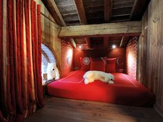 Where magic is happen. Chalets For Sale, Courchevel 1850, Architecture, Decoration, Nook, Kids Room, House Design, Luxury, Bed