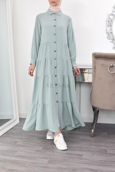 Modesty Fashion, Abaya Fashion, Muslim Fashion, Fashion Dresses, Hijab Fashion Inspiration, Mode Inspiration, Sleeves Designs For Dresses, Mode Hijab, Stylish Dresses