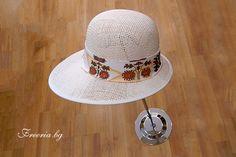 White summer hat with painted by hand ribbon, variation Summer Hats, Panama Hat, Bucket Hat, Ribbon, Painting, Fashion, Tape, Panama, Bob