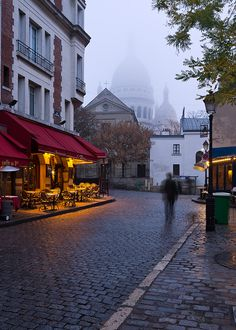 Sacré Cœur, Paris  ~ lovely cafe with pretty awning ...