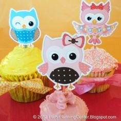 A whole family of owl cupcake toppers in one printable template! Just print, cut around the edges and glue to toothpicks. - bjl