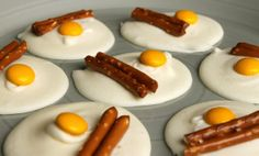 The Chickpea Chickadee: Bacon and Egg Candy Cute Snacks, Cute Food, Good Food, Yummy Food, Tasty, Pajama Day, Preschool Snacks, Preschool Cooking, Preschool Ideas