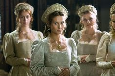 images of English renaissance and medieval clothing Tudor Movie Costumes, Cool Costumes, Period Costumes, Theatre Costumes, Costume Ideas, Halloween Costumes, Tudor Series, Tv Series, Die Tudors