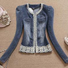 Risultati immagini per jaqueta jeans com renda Denim Blazer, Denim Shirt Dress, Denim Outfit, Jacket Dress, Diy Jeans, Denim And Lace, Denim Fashion, Fashion Outfits, Diy Clothes Refashion