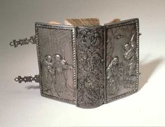 Smithsonian Institution Libraries Detail of Binding: Silver, with embossing depicting Annunciation on upper cover; clasps and stencil decorated endpapers.Image no.4-13-vonCochem