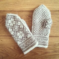 My handmade mittens from the 'Nothman Mitten Pattern'