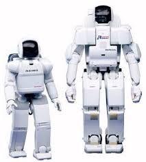 Esta otra foto la elegí porque me gustó como se pudo hacer que el robot mas chico puede realizar las mismas funciones que el grande, aún siendo mas pequeño.