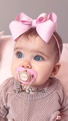 Customized Child Pink Child Customized Pacifier - Suit World Cute Baby Boy, Cute Baby Girl Pictures, Cute Little Baby, Baby Kind, Cute Baby Clothes, Little Babies, Baby Love, Cute Kids, Baby Girls