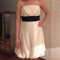 White House Black Market dress. Size 6. Perfect for the holidays. White House Black Market Dresses Strapless